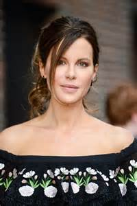 actress similar to kate beckinsale we reveal how to get kate beckinsale s shoulders