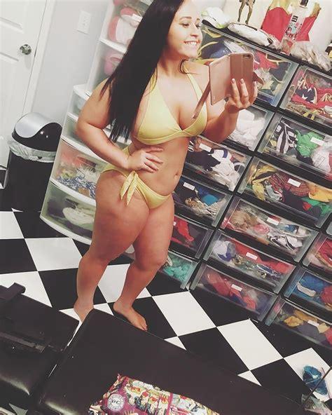 Jordynne Grace Bikini Selfies 2 Pics