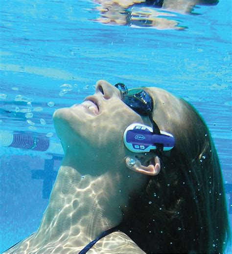 Best Underwater Mp3 Player by Five Of The Best Waterproof Mp3 Players Shinyshiny