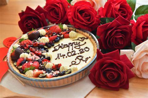 Tartë me Krem Vanilje dhe Fruta - Rozafa Cooking