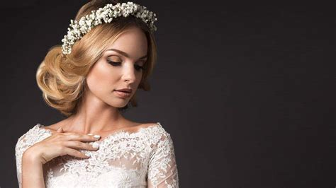 wedding hairstyles  medium hair july