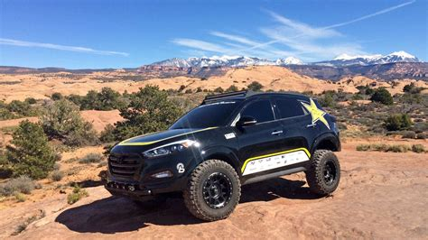 tucson jeep attacking moab in an off road hyundai tucson the drive