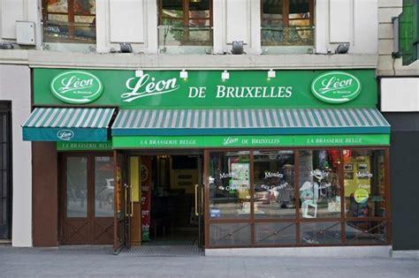 Leon De Bruxelles Place De Clichy, Parijs