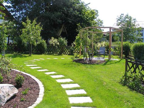 Trittplatten Für Rasen by Gartenwege Pflaster Steine Gartengestaltung Gartenbau