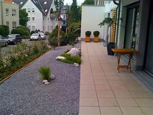 Terrasse Mit Kies : maing rtner kies ~ Markanthonyermac.com Haus und Dekorationen