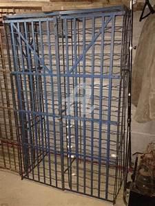 Casier A Bouteille Metallique : casier bouteille m tallique bleu recyclage design r d ~ Melissatoandfro.com Idées de Décoration