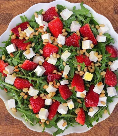 Salāti ar zemenēm un fetas sieru - INSTA receptes - tavs ...