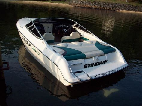 Stingray Boats Speed by 22ft 220sx Stingray Speed Boat Performancetrucks Net Forums
