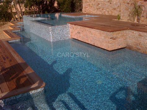 piscine en mosaique p 226 te de verre bleue carrelage et salle de bain la seyne var caro styl