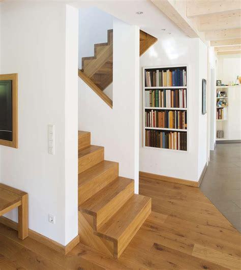 treppe zwischen zwei wänden wangentreppen treppen mit holz oder stahlwangen arcus