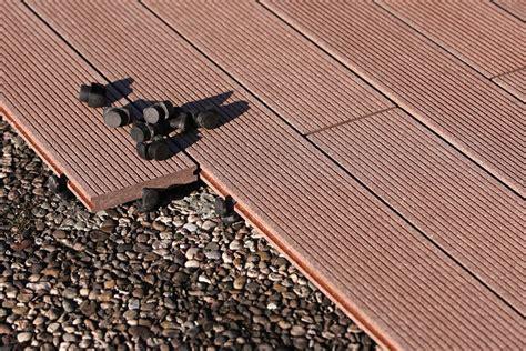 Bodenbelag Für Draußen by Bodenbelag F 252 R Balkon Und Terrasse Wpc Holz Oder Stein
