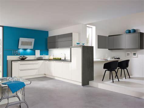 cuisine gris cuisine aviva en l fonctionnelle bleu blanc gris