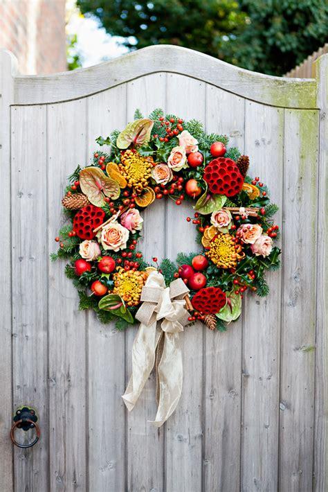 make christmas wreath how to make a traditional christmas wreath