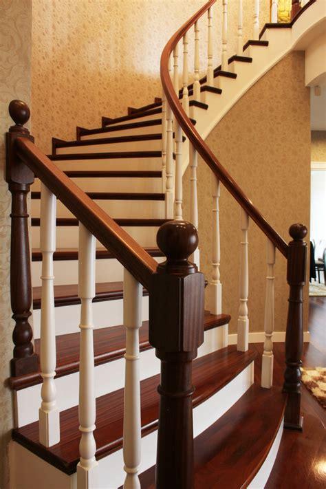 quelle peinture pour la cuisine peindre un escalier en bois