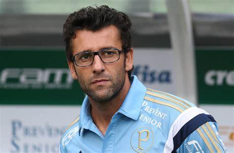 Após experiência como técnico, Alberto Valentim volta a ...