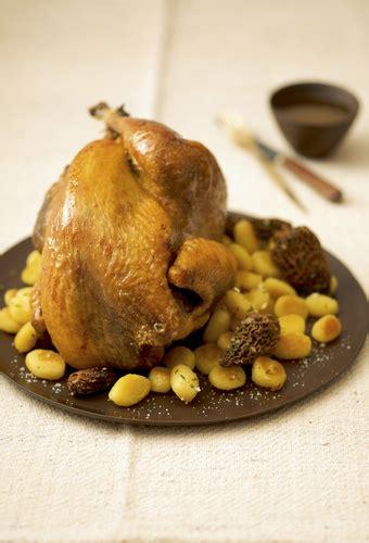 cuisiner le chapon au four astuce de cyril lignac comment cuisiner le chapon