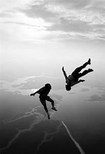 Fliegen In Der Erde : ffnen sie den fallschirm und fliegen ist m glich ~ Lizthompson.info Haus und Dekorationen