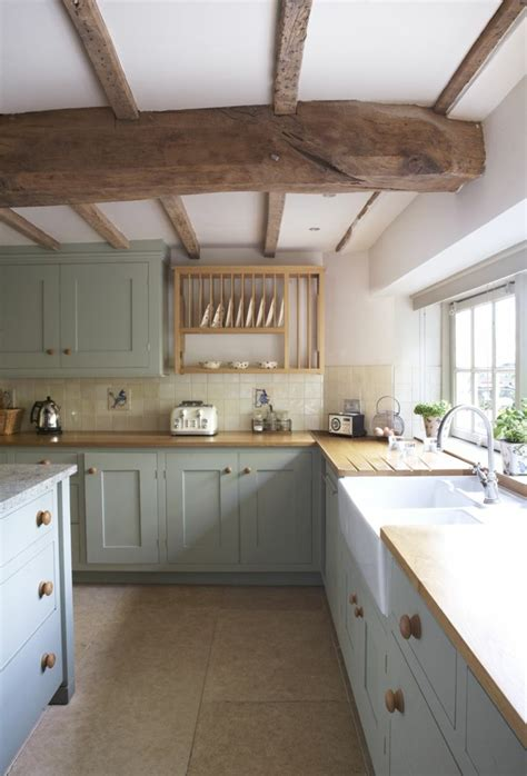 cuisine moderne en bois la poutre en bois dans 50 photos magnifiques