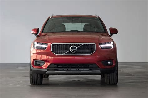 volvo xc revealed pictures auto express