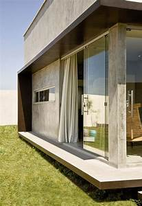 A Small  Simple And Sophisticated Rectangular Box House