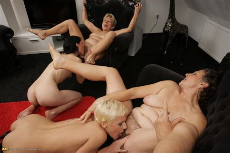 hot lesbian party pichunter