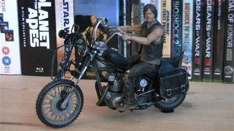 The Walking Dead Deluxe Daryl Dixon & Motorcycle Review