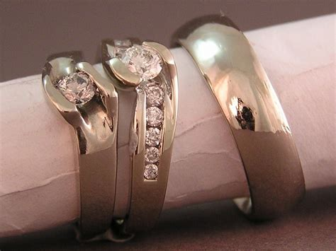 customizing a wedding ring to fit with personal style