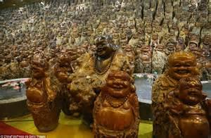 9,200 Laughing Buddhas Put On Display At Chinese
