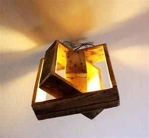 Plafonnier En Bois : plafonnier en bois de r cup ration original luminaires par chateau la palette lumi re ~ Teatrodelosmanantiales.com Idées de Décoration