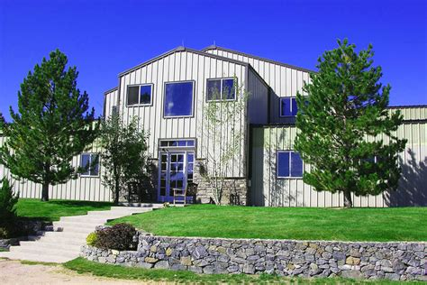 Barndominium kits are available in a variety of styles and designs, from small cabins to luxury cottages and modern houses. Barndominiums and Metal Buildings with Living Quarters