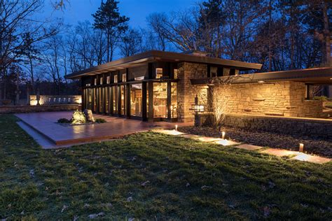 frank lloyd wright designed home renovation  construction