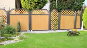 Sichtschutz selbst gestalten mit einem sichtschutz for Garten planen mit balkon alu holzoptik