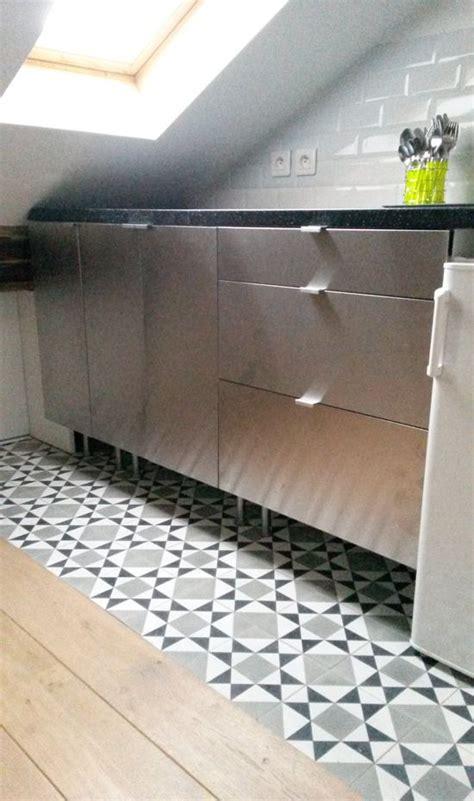 les 25 meilleures id 233 es de la cat 233 gorie carrelage de ciment sur salles de bains