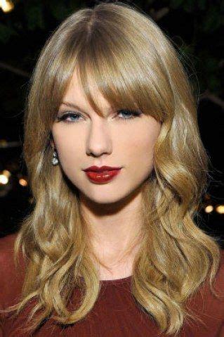 Taylor Swift in 2020   Taylor swift short hair, Taylor ...