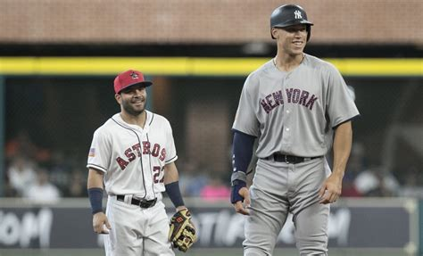 aaron judge funny the 10 best jokes made about 6 foot 7 aaron judge standing