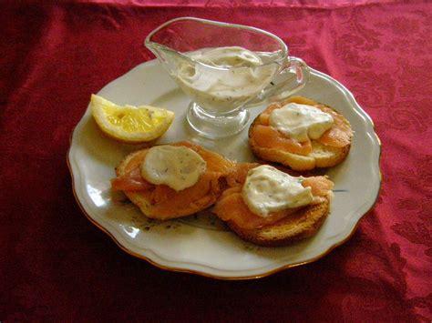 canapé saumon fumé canapés de saumon fumé