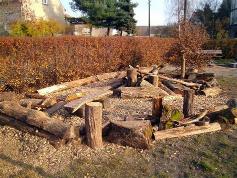 Leben Mit Kindern Spielgeraete Fuer Den Eigenen Garten by Kinder Garten Im Kindergarten 116