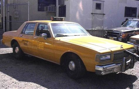File:1987 Chevrolet Caprice New York Taxi Cab.jpg ...