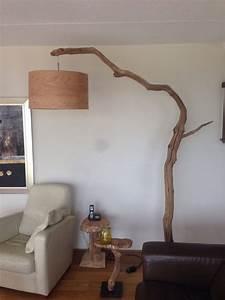Wohnzimmer Lampe Holz : die besten 17 ideen zu stehlampe holz auf pinterest ~ Lateststills.com Haus und Dekorationen