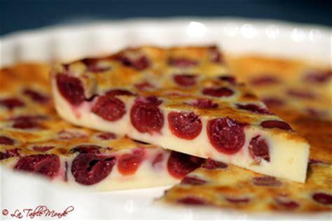 clafoutis aux cerises la table monde des centaines de recettes de cuisine fran 231 aises et du monde