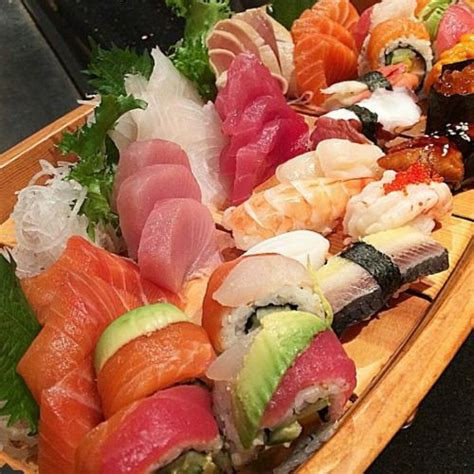 Sushi Boat Menu by Best 25 Sushi Boat Ideas On Food Trays