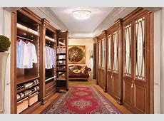 Custom made walkin wardrobe Royal Luxury by Faoma