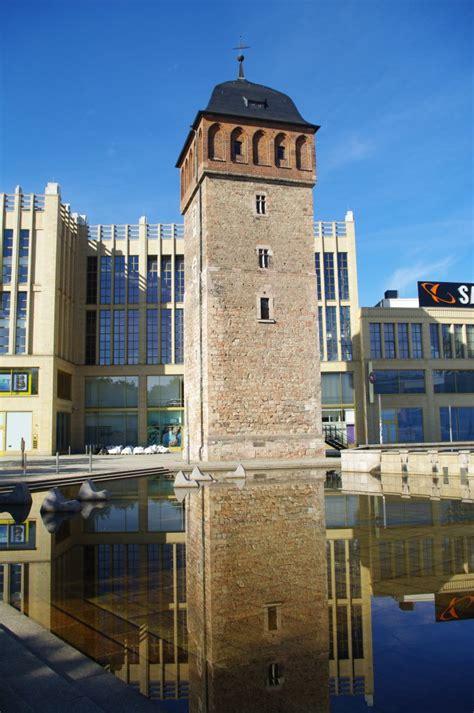 chemnitz theaterplatz mit koenig albert museum opernhaus