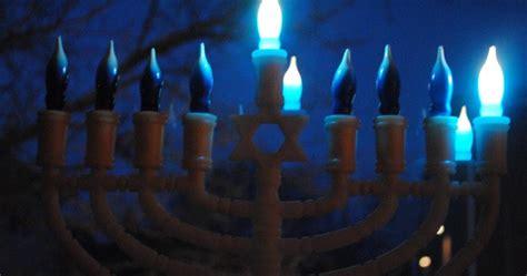 when do you light the menorah 2016 electric menorahs for hanukkah free shipping happy