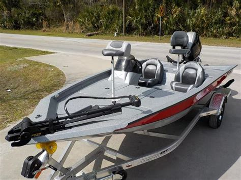 Xpress Boats X19 Pro by Xpress X17 Vehicles For Sale