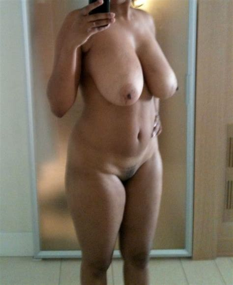 Private MILF Pics - The Hottest Real MILFs Exposed!