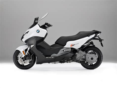 bmw c 650 sport c 650 gt maxi scooters revealed image 381967