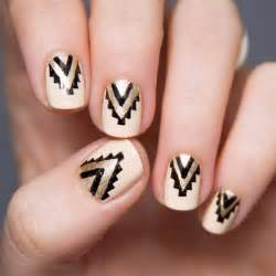 Gold and black nails nail art