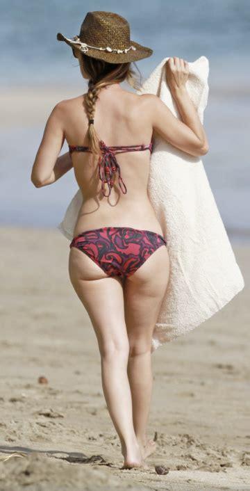 legs bikini lady short legs rachel bilson bikini