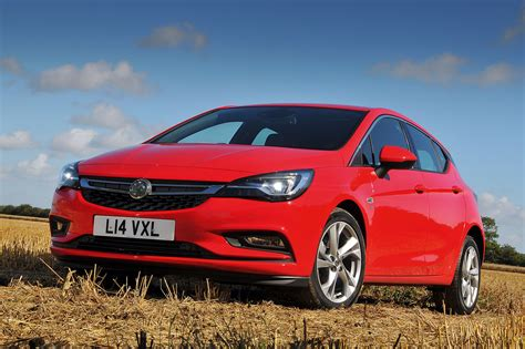 Vauxhall Astra named as European Car of the Year for 2016 ...